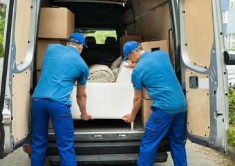 7 Reasons You're Better Off Hiring A Local LA Mover